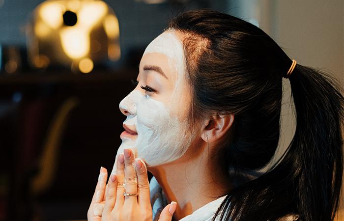 Best Face Scrubs For Acne Prone Skin