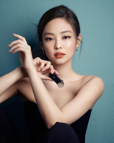 fake double eyelid xiaohongshu makeup hack inspiration blackpink jennie instagram