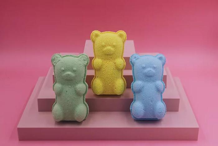 Nude And Jar Customisable Bath Bombs Gummy Bear