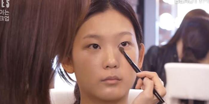 korean puppy-eyes-makeup-powder