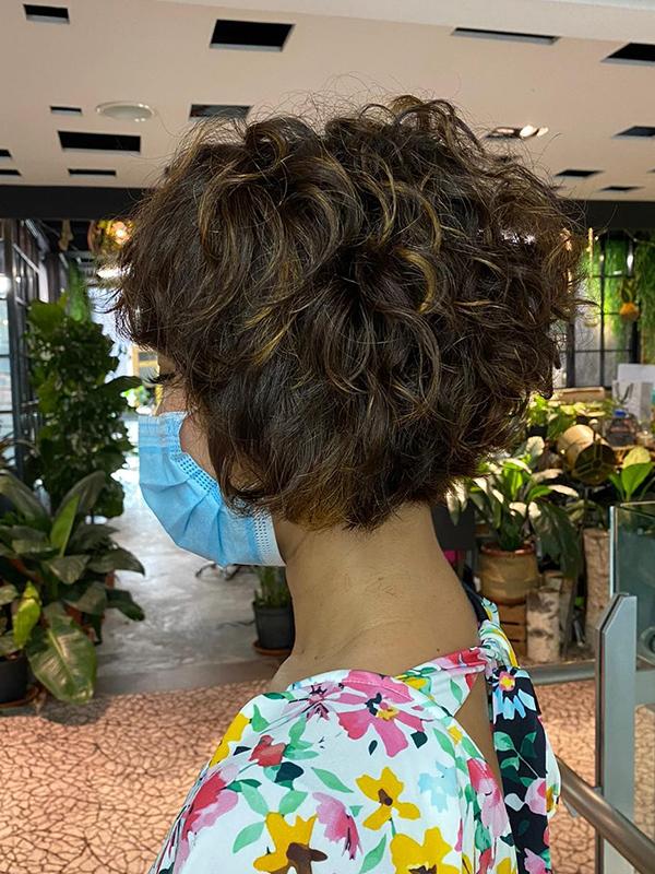 low-maintenance haircuts bob with layered curls
