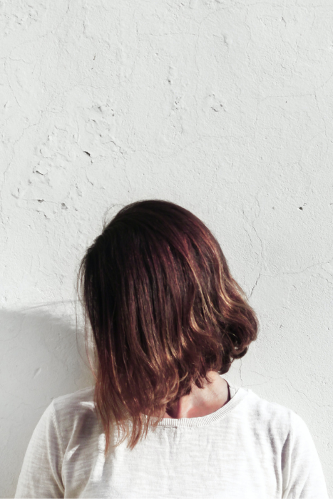 scalp exfoliation signs you need to exfoliate your scalp photo source nordwood themes unsplash