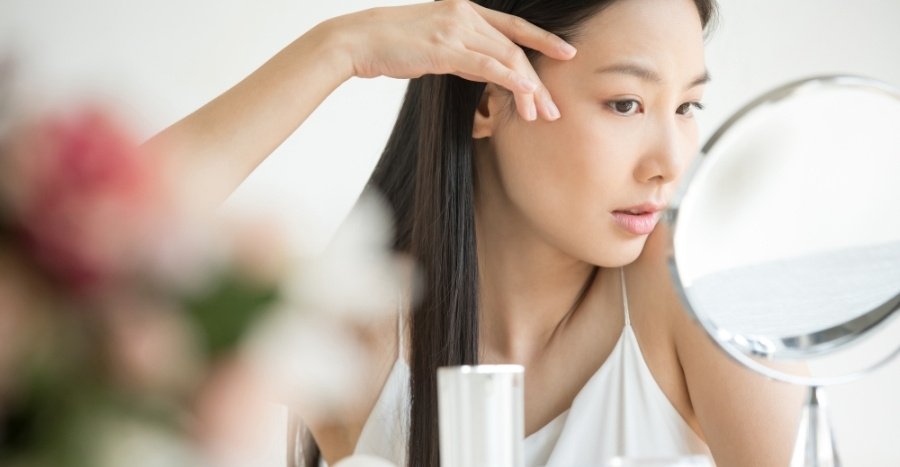 Is eye cream necessary? Here's something your beauty advisor isn't telling you