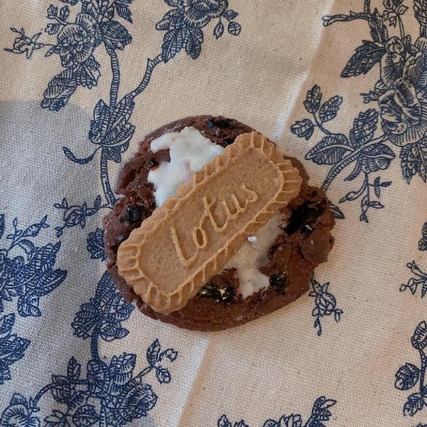 lotus cookie