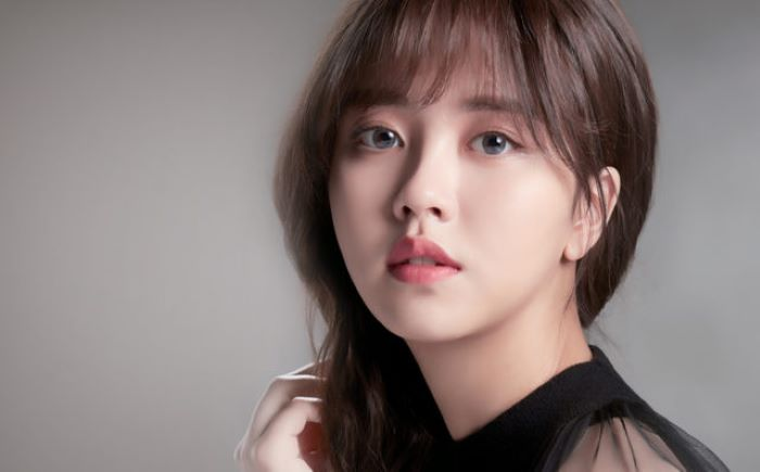 coloured-contacts-lacelle-grace-kim-sohyun